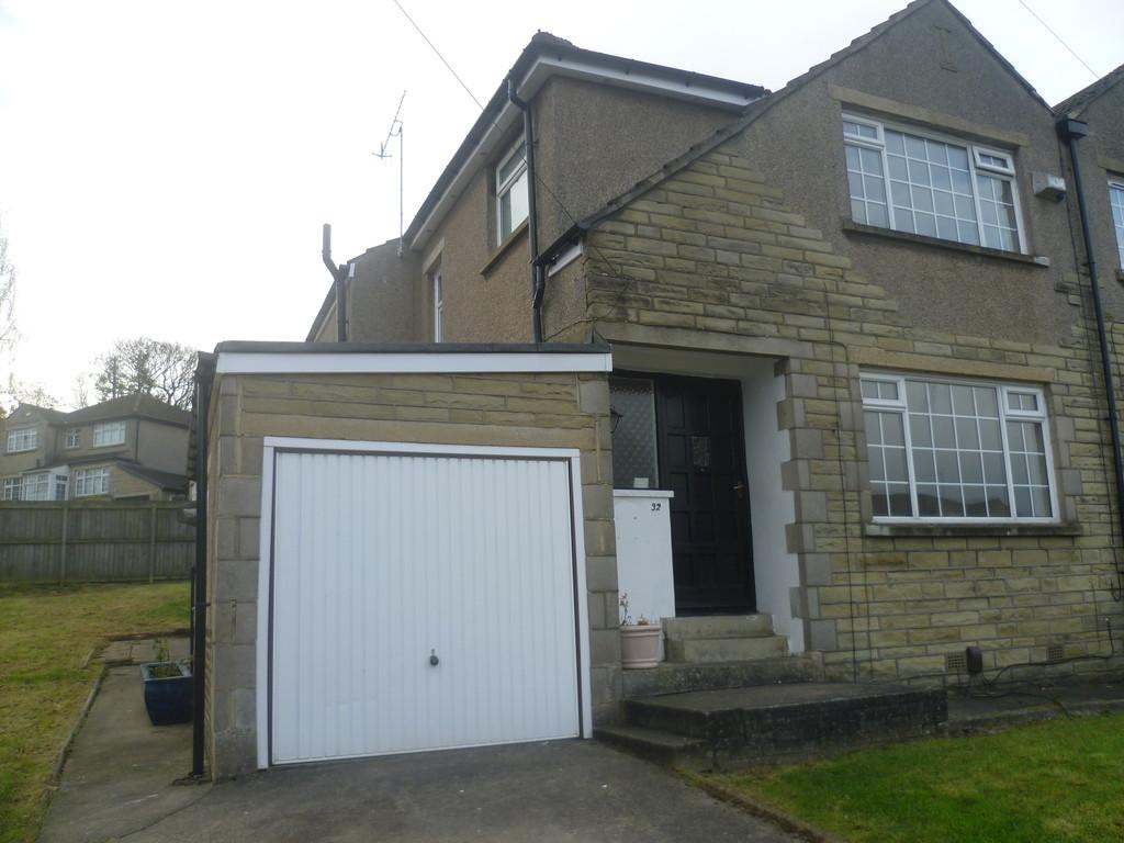 3 Bedrooms Semi Detached House for rent in Pasture Close, Clayton