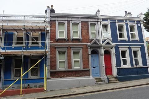 2 bedroom flat to rent - Cambridge Road, Hastings, East Sussex, TN34 1EP