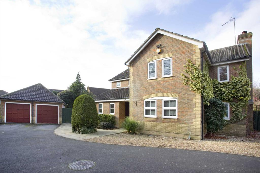 4 Bedrooms Detached House for sale in Midsummer Meadow