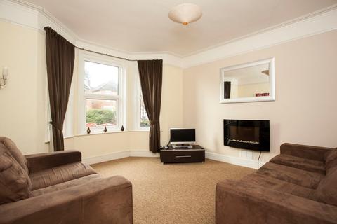 5 bedroom detached house to rent - Edgehill Road, Winton - 5 Double Bedrooms
