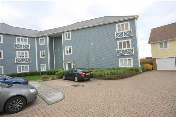 2 Bedrooms Apartment Flat for sale in Poynder Drive Holborough Lakes, ME6 5SP