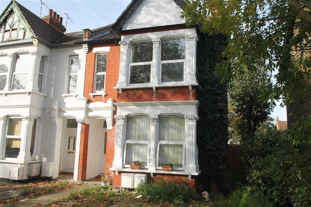 2 Bedrooms House for sale in Argyll Road, Westcliff On Sea, Essex