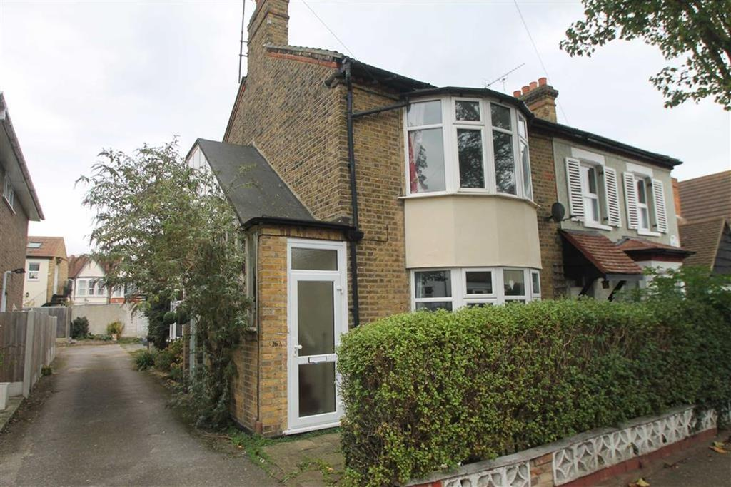 House for sale in St Johns Road, Westcliff On Sea, Essex