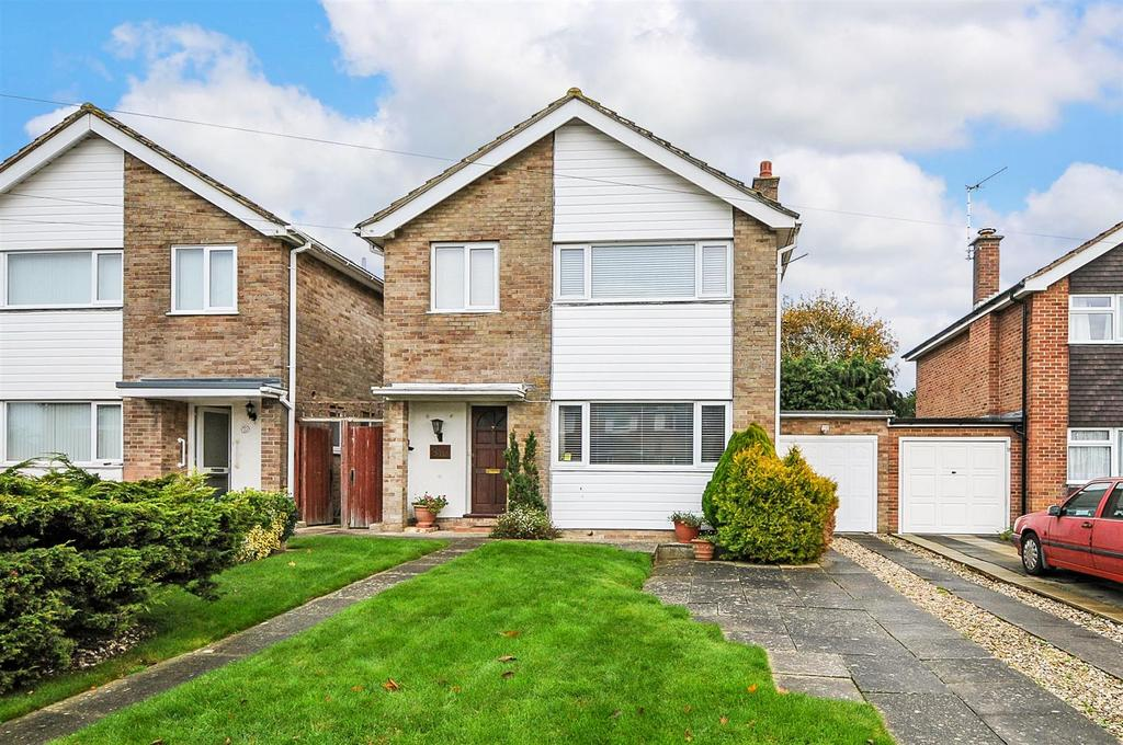 3 Bedrooms Detached House for sale in Worcester Road, Chichester