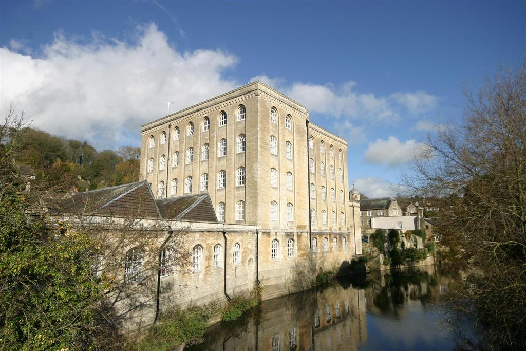 1 Bedroom Apartment Flat for sale in Church Street, Bradford-On-Avon