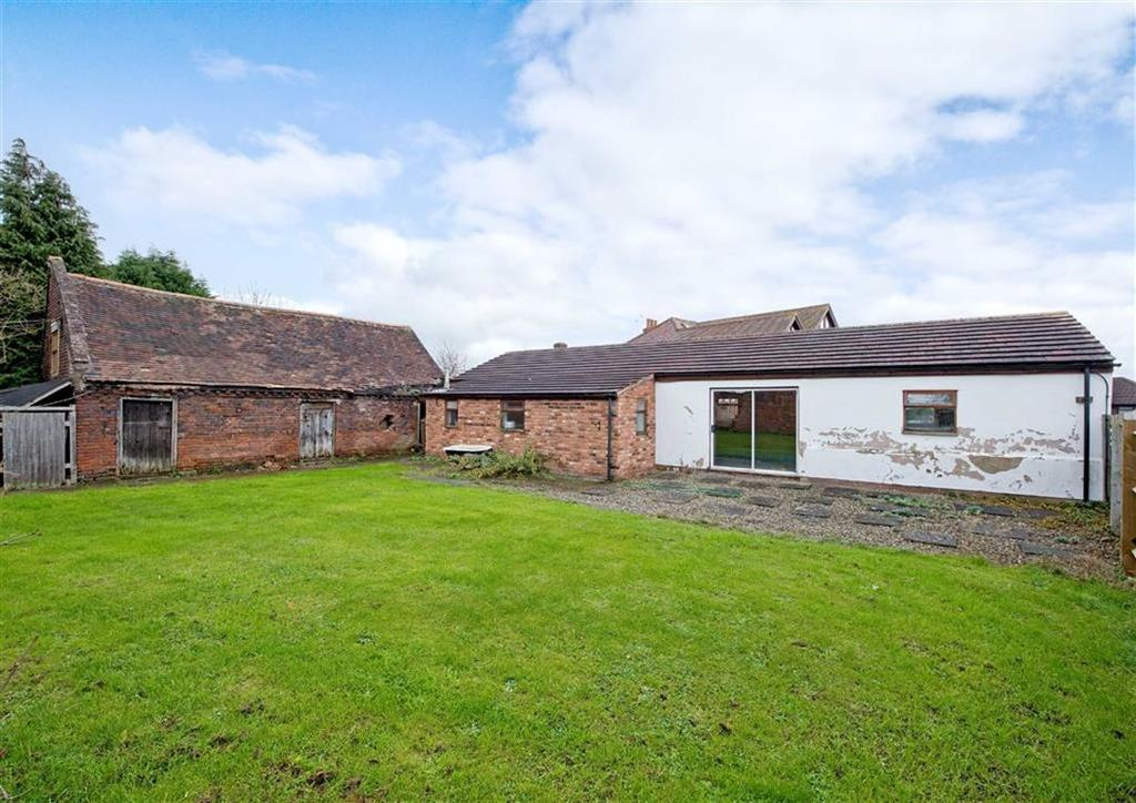 3 Bedrooms Barn Conversion Character Property for sale in Barn To The Rear Of, 112, Bratch Lane, Wombourne, Wolverhampton, South Staffordshire, WV5