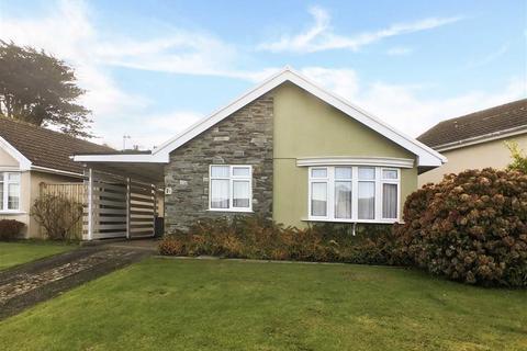 2 bedroom bungalow for sale - Saffron Park, Kingsbridge, Devon, TQ7