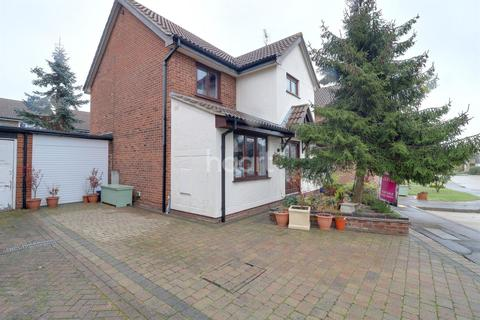 4 bedroom detached house for sale - Parkway Close, Leigh-on-sea