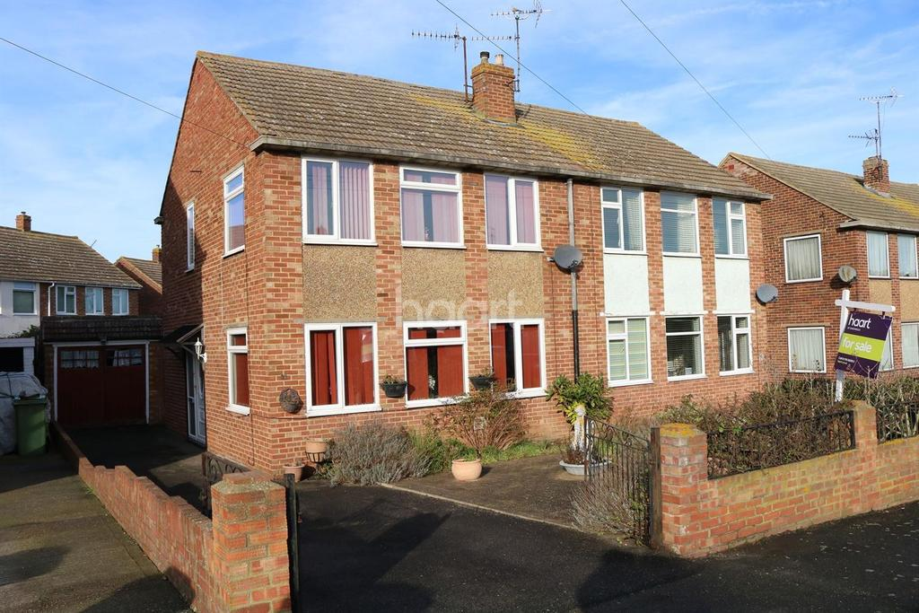 3 Bedrooms Semi Detached House for sale in Scrapsgate Road