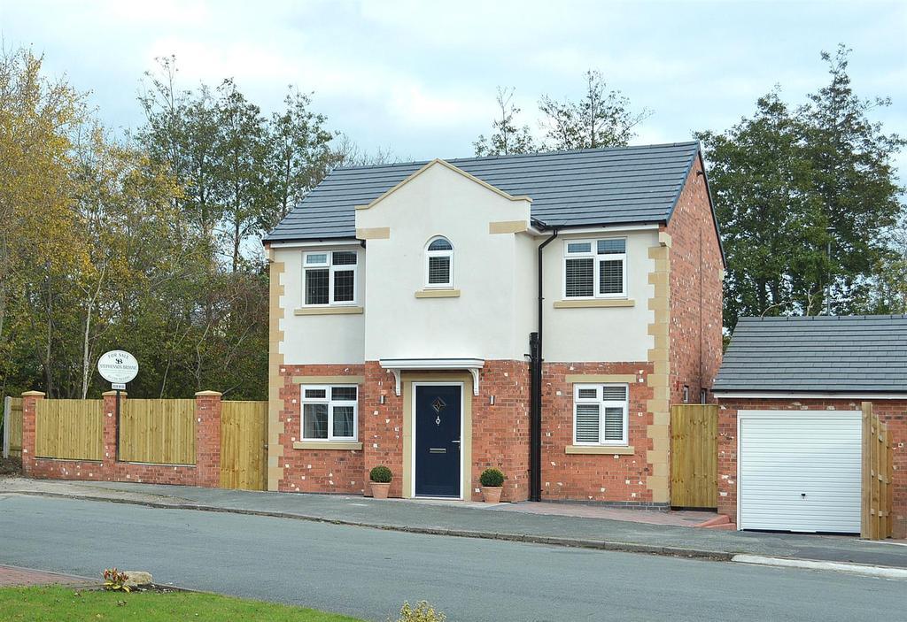 4 Bedrooms Detached House for sale in Moston Road, Ettiley Heath, Sandbach