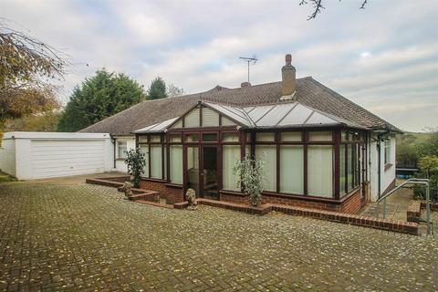 3 bedroom bungalow for sale - Scragged Oak Road, Detling, Maidstone