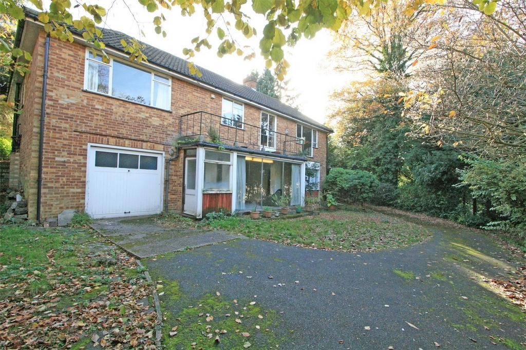 3 Bedrooms Detached House for sale in Oakleigh Park Avenue, Chislehurst, Kent