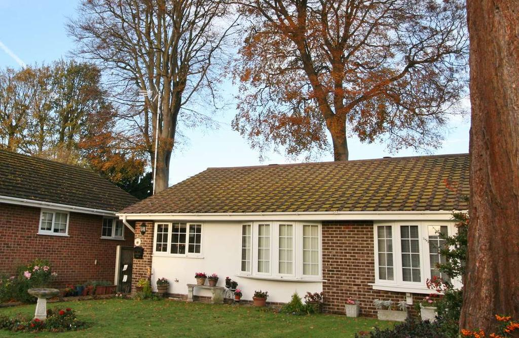 2 Bedrooms Bungalow for sale in Channel Lea, Walmer