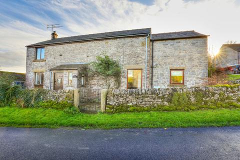 4 bedroom property for sale - Little Hucklow, Buxton, Derbyshire