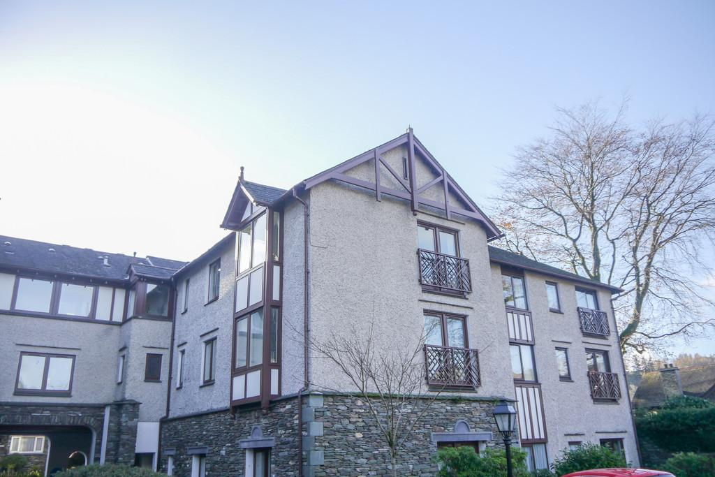 2 Bedrooms Flat for sale in 201 Millans Court, Ambleside, LA22 9BW
