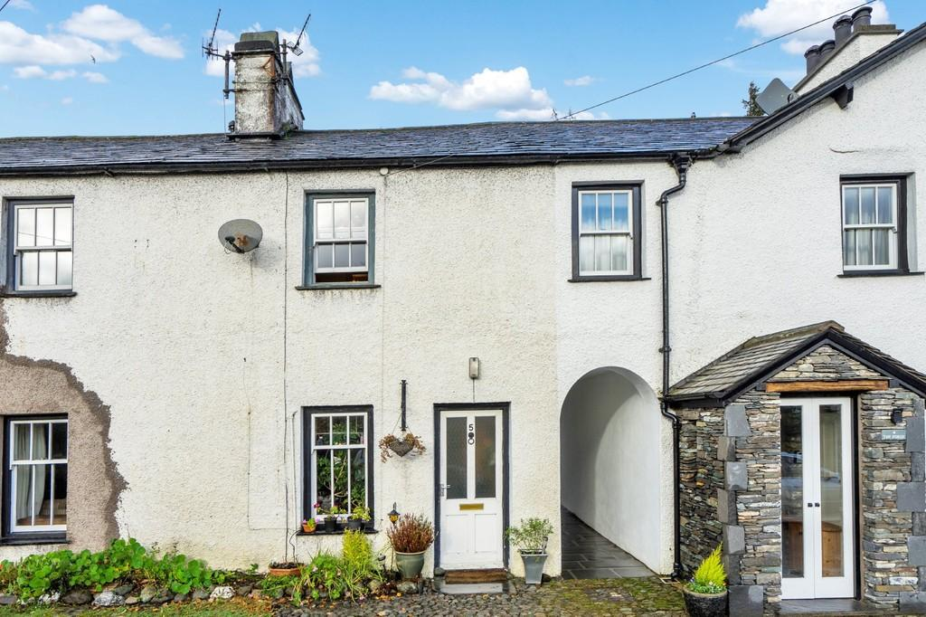 2 Bedrooms Cottage House for sale in 5 The Forge, Coniston, Cumbria LA21 8HL