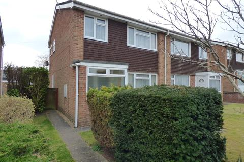 3 bedroom semi-detached house for sale - Upton
