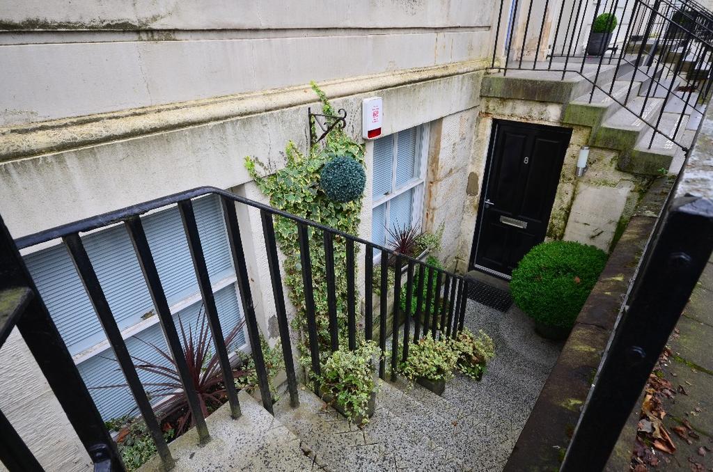 1 Bedroom Apartment Flat for sale in Newton Terrace, Flat B1, Kelvingrove, Glasgow, G3 7PJ