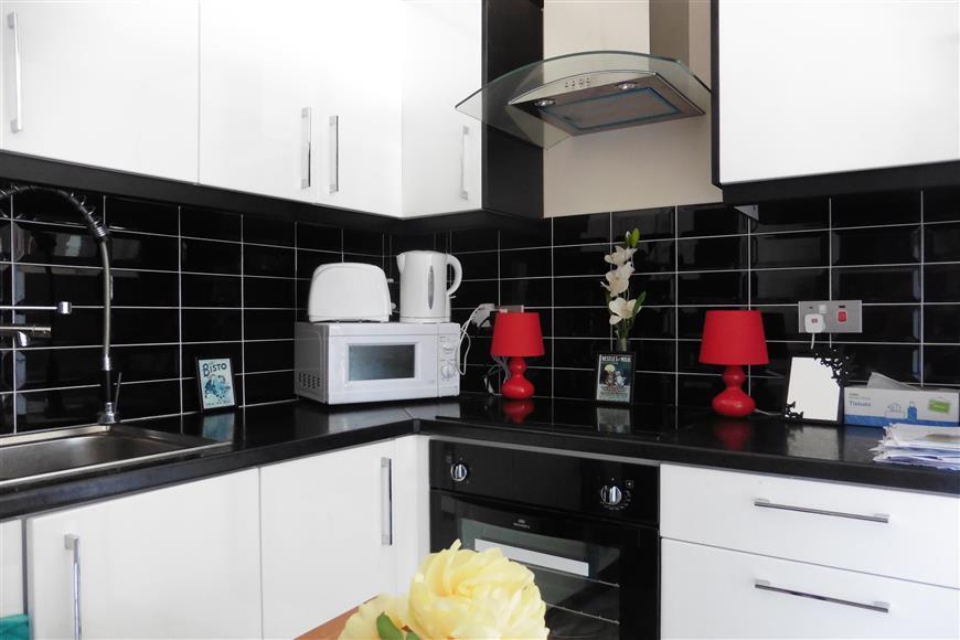 1 Bedroom Flat for sale in Sandgate Road, Folkestone, Kent