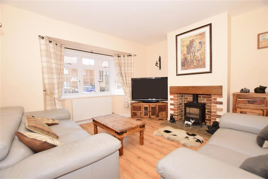 3 Bedrooms Semi Detached House for sale in St. Hildas Road, Hythe, Kent