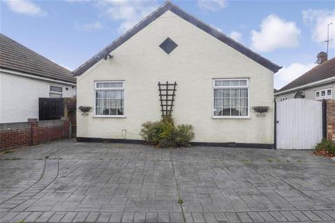 2 bedroom detached bungalow for sale - Glenmore Road, Welling, Kent
