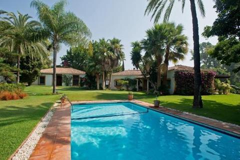 5 bedroom bungalow  - Marbella, Malaga