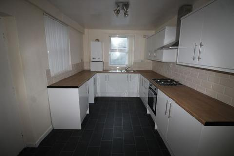 3 bedroom terraced house to rent - Waltham Road, Liverpool  FIRST MONTH'S RENT HALF PRICE.