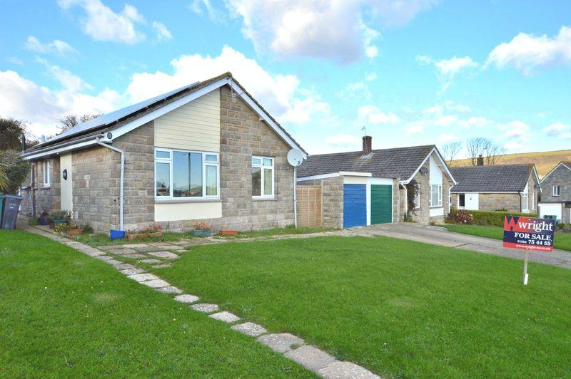 3 Bedrooms Detached Bungalow for sale in BRIGHSTONE