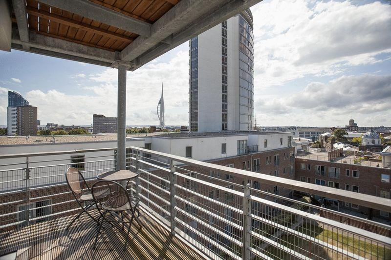 2 Bedrooms Apartment Flat for sale in Admiralty Quarter, Portsmouth