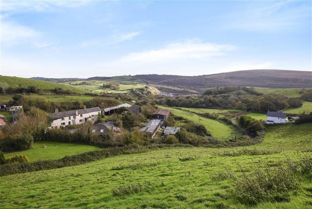 5 Bedrooms Detached House for sale in Portmore, Barnstaple, Devon, EX32