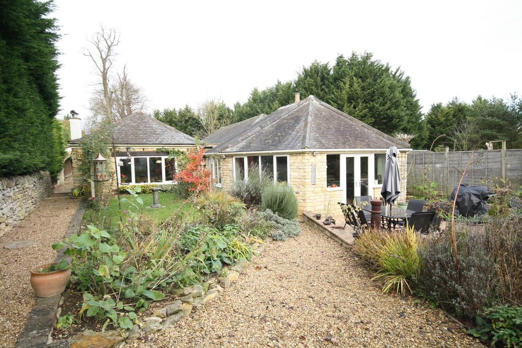 4 Bedrooms Cottage House for sale in Fineshade, Northamptonshire