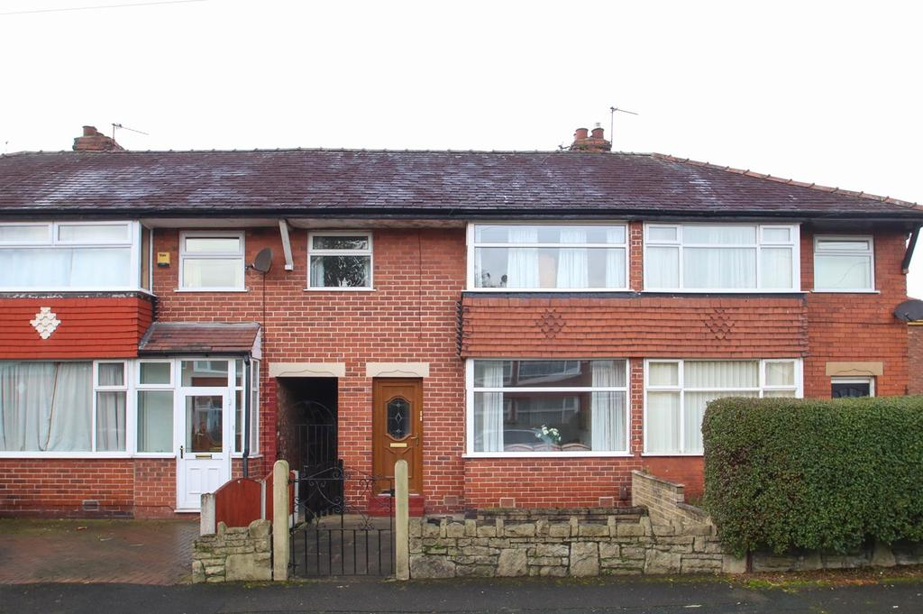 3 Bedrooms Terraced House for sale in Welwyn Close, Davyhulme, Manchester, M41