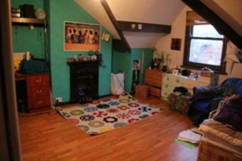 7 bedroom terraced house to rent - Brudenell Road, Hyde Park, LS6 1EG