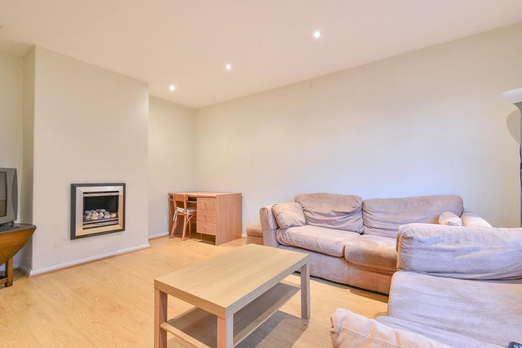3 Bedrooms Terraced House for sale in Topsham Road, Tooting