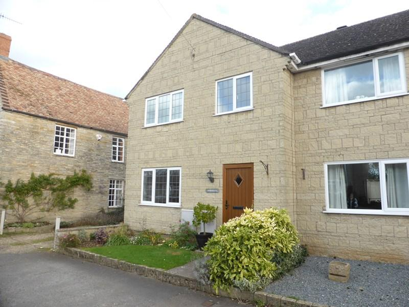 3 Bedrooms End Of Terrace House for sale in West Side, North Littleton, Evesham