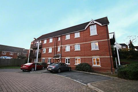 2 bedroom flat for sale - Searle Close, Chelmsford