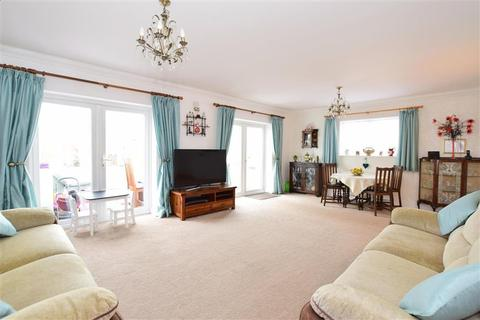3 bedroom detached bungalow for sale - Seaview Road, Woodingdean, Brighton, East Sussex