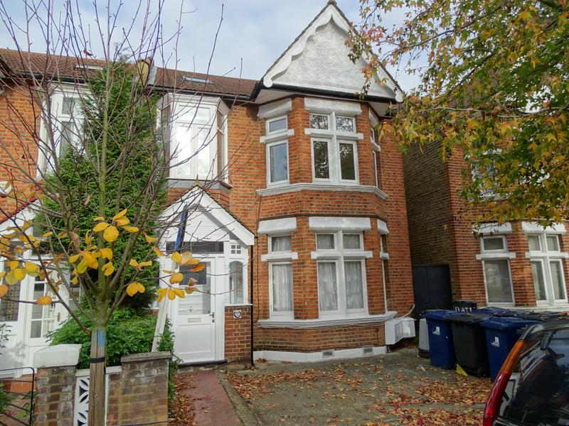 Studio Flat for sale in Craven Avenue, Ealing