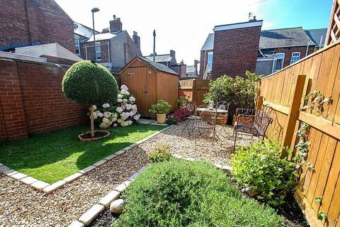 2 bedroom terraced house for sale - Bewick Street, South Shields