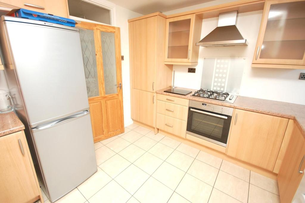 2 Bedrooms Cottage House for rent in Ongar Road, Brentwood, Essex, CM15