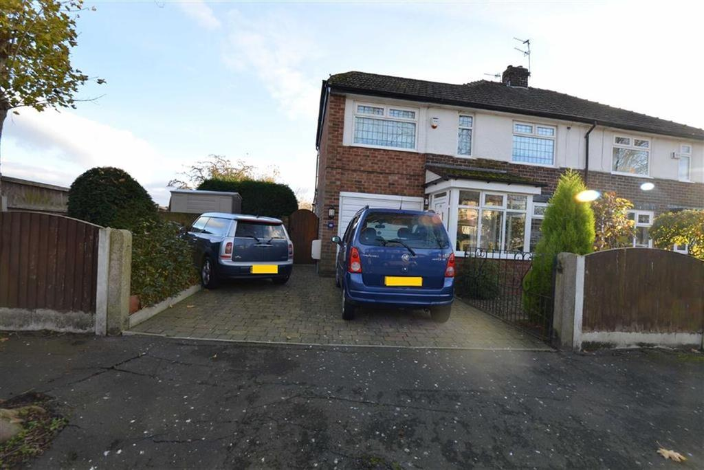 4 Bedrooms Semi Detached House for sale in Goldsworthy Road, Flixton