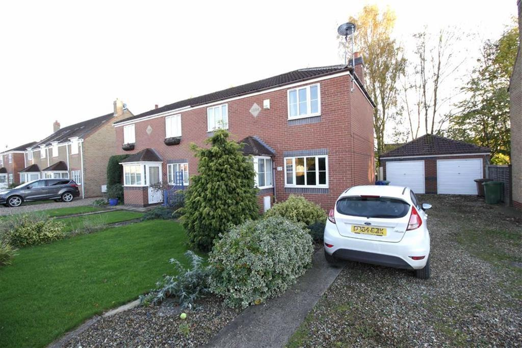 3 Bedrooms Semi Detached House for sale in New Walk, Driffield, East Yorkshire