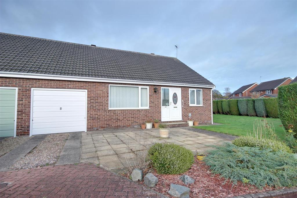 3 Bedrooms Semi Detached Bungalow for sale in Ashdale Park, North Ferriby