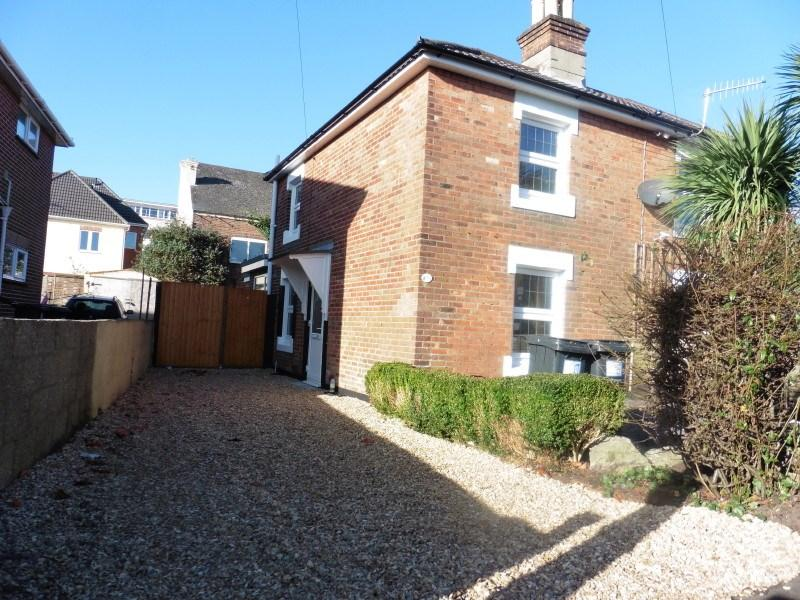 2 Bedrooms Semi Detached House for sale in Midland Road, Winton, Bournemouth