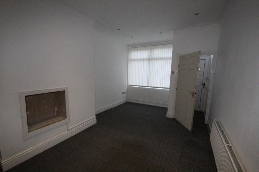 3 Bedrooms House for sale in Darfield Road Leeds LS8 5DQ