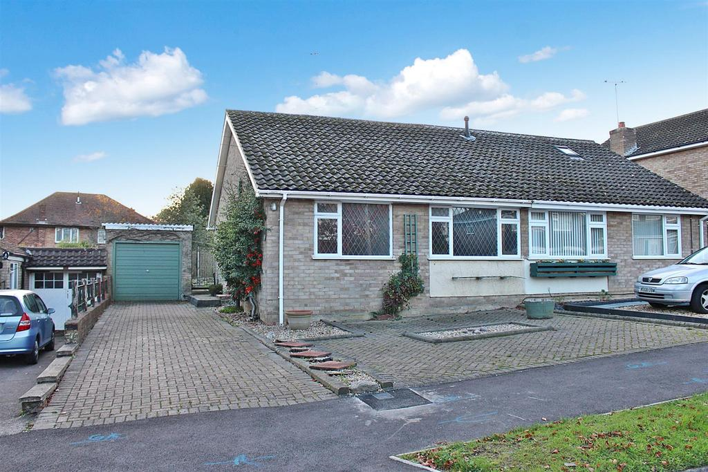 2 Bedrooms Bungalow for sale in Windmill Avenue, St. Albans