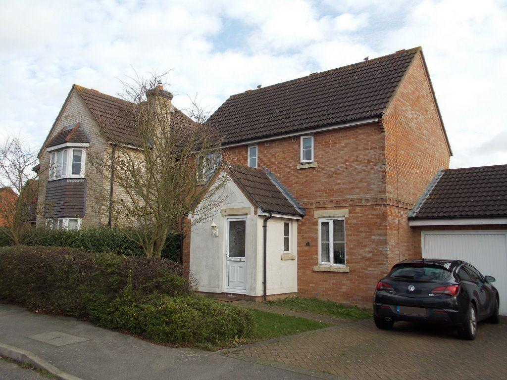 3 Bedrooms Detached House for rent in Pine Avenue, Great Dunmow