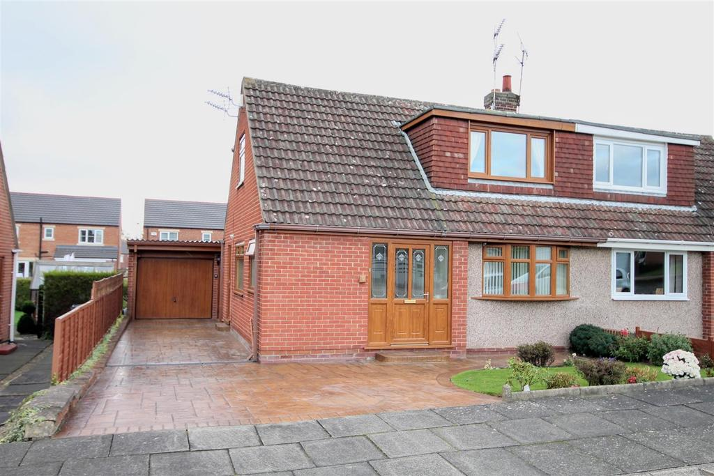 3 Bedrooms Semi Detached Bungalow for sale in Fulthorpe Grove, Darlington