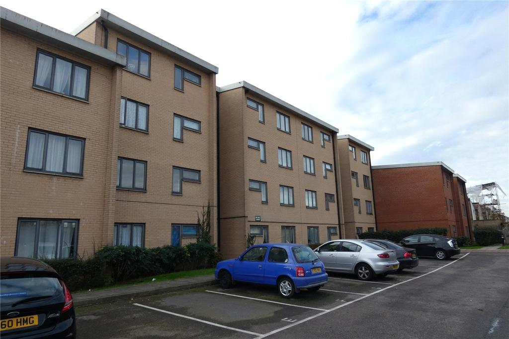 2 Bedrooms Apartment Flat for sale in Shillibeer Court, Edmonton, London, N18