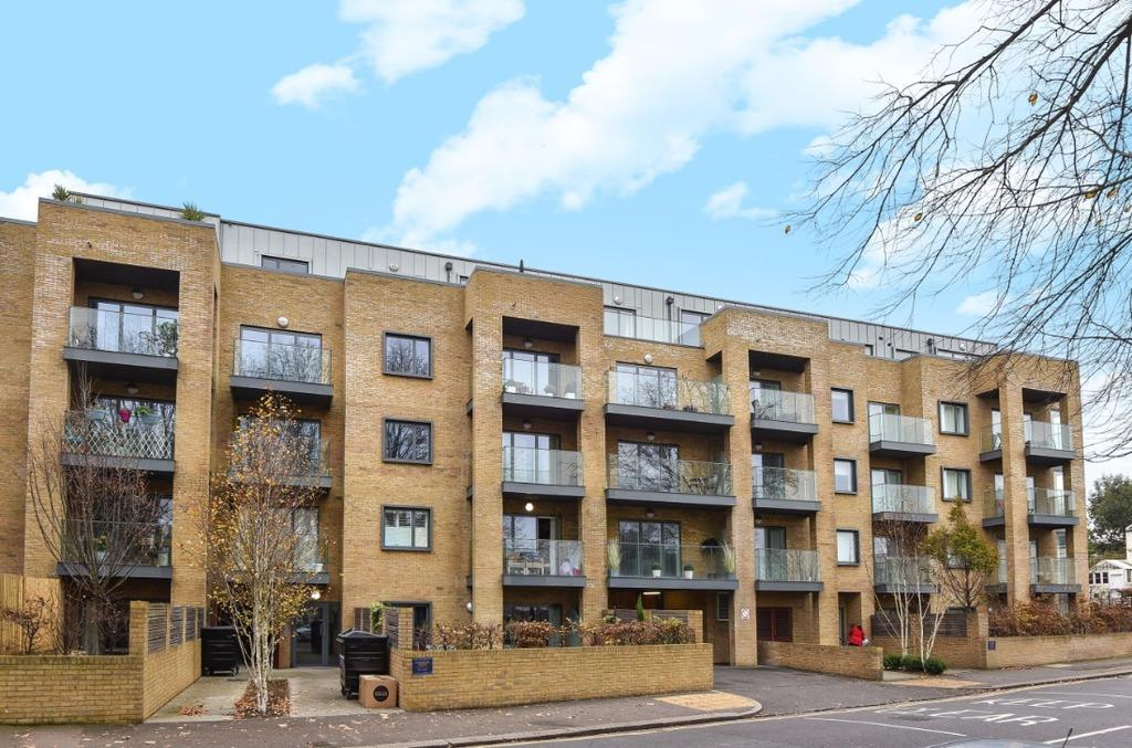 1 Bedroom Flat for sale in Goldstone Crescent Hove East Sussex BN3